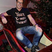 NLD/Hilversum/20141209 - Sky Radio Christmas Tree for Charity 2014, Gerard Joling in een arreslee
