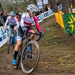 26-12-2019: Cycling: CX Worldcup: Heusden-Zolder: Anna Kay beeing followed by Yara Kastelijn