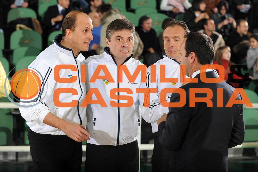 DESCRIZIONE : Avellino Lega A 2009-10 Air Avellino Armani Jeans Milano<br /> GIOCATORE : Arbitro Referees<br /> SQUADRA : Air Avellino<br /> EVENTO : Campionato Lega A 2009-2010<br /> GARA : Air Avellino Armani Jeans Milano<br /> DATA : 13/12/2009<br /> CATEGORIA : Arbitro Referees Curiosita<br /> SPORT : Pallacanestro<br /> AUTORE : Agenzia Ciamillo-Castoria/G.Ciamillo<br /> Galleria : Lega Basket A 2009-2010 <br /> Fotonotizia : Avellino Campionato Italiano Lega A 2009-2010 Air Avellino Armani Jeans Milano<br /> Predefinita :