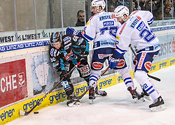 20.01.2019, Keine Sorgen Eisarena, Linz, AUT, EBEL, EHC Liwest Black Wings Linz vs EC VSV, 40. Runde, im Bild v.l. Stefan Gaffal (EHC Liwest Black Wings Linz), Felix Maxa (EC Panaceo VSV), Jake Dowell (EHC Liwest Black Wings Linz) // during the Erste Bank Eishockey League 40th round match between EHC Liwest Black Wings Linz and EC VSV at the Keine Sorgen Eisarena in Linz, Austria on 2019/01/20. EXPA Pictures © 2019, PhotoCredit: EXPA/ Reinhard Eisenbauer