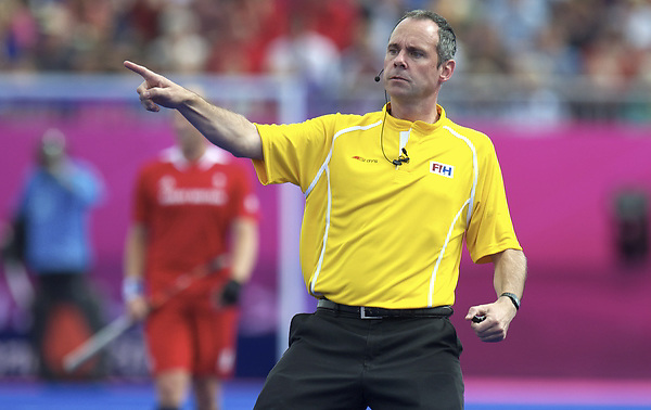 LONDON - Olympische Spelen 2012.Men match .South Africa v Great Britain.foto: Umpire Roel van Eert..FFU Press Agency COPYRIGHT FRANK UIJLENBROEK.