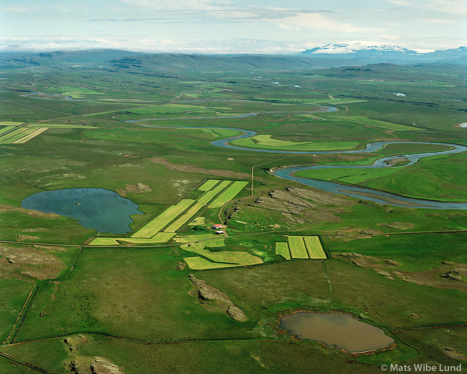 Hamraendar séð til norðausturs, Borgarbyggð áður Stafholtstunguhreppur  /  Hamraendar viewing northeast, Borgarbyggd former Stafholtstungnahreppur