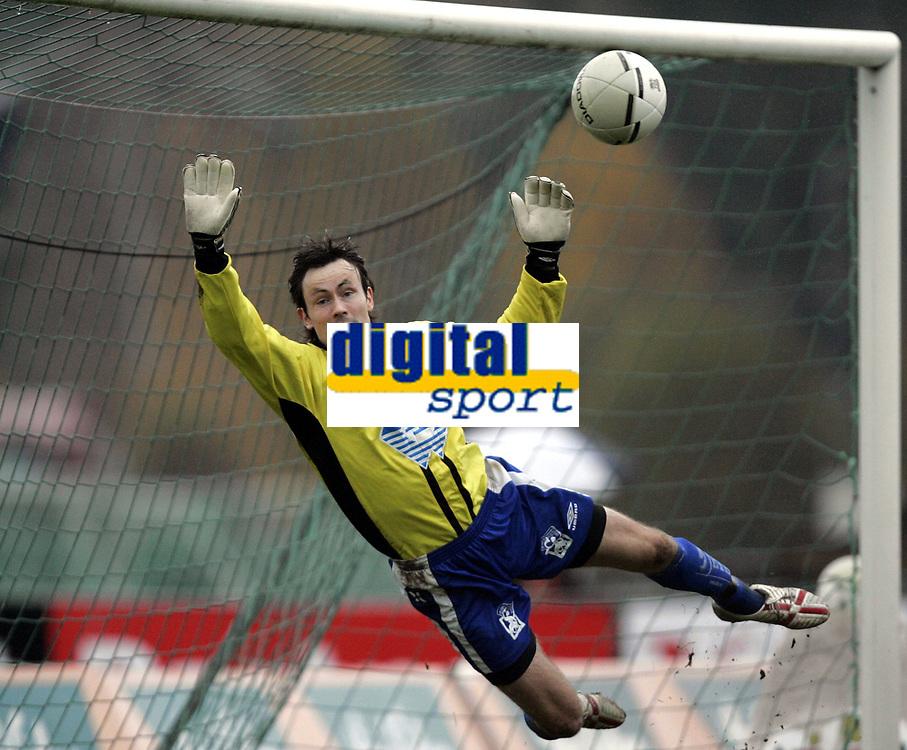 Fotball<br /> Adeccoligaen<br /> 22.10.2006<br /> H&oslash;nefoss v H&oslash;dd 3-0<br /> Foto: Morten Olsen, Digitalsport<br /> <br /> Kim Deinoff - H&oslash;dd