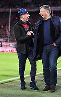 Fussball  1.Bundesliga  Saison 2017/2018  10. Spieltag FC Bayern Muenchen - RB Leipzig               28.10.2017 Franck Ribery (li, FC Bayern Muenchen) und Mediendirektor Stefan Mennerich (FC Bayern Muenchen) lachen