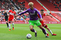 Lloyd Kelly of Bristol City takes on Jonathan Howson of Middlesbrough - Mandatory by-line: Matt McNulty/JMP - 14/04/2018 - FOOTBALL - Riverside Stadium - Middlesbrough, England - Middlesbrough v Bristol City - Sky Bet Championship