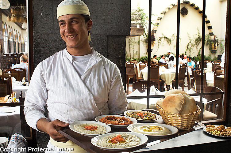 Waiter Narranje Restaraunt