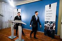 Nederland. Den Haag, 14 november 2008.<br /> Gezamenlijke persconferentie in het ministerie van Algemene Zaken van premier Jan Peter Balkenende en vice-premier Wouter Bos n.a.v. het aftreden van minister Vogelaar en het aantreden van minister Eberhard van der Laan van Wonen, Wijken en Integratie<br /> Foto Martijn Beekman<br /> NIET VOOR PUBLIKATIE IN LANDELIJKE DAGBLADEN.
