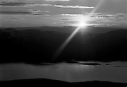 Midnattsolen från Nuolja i Lappland