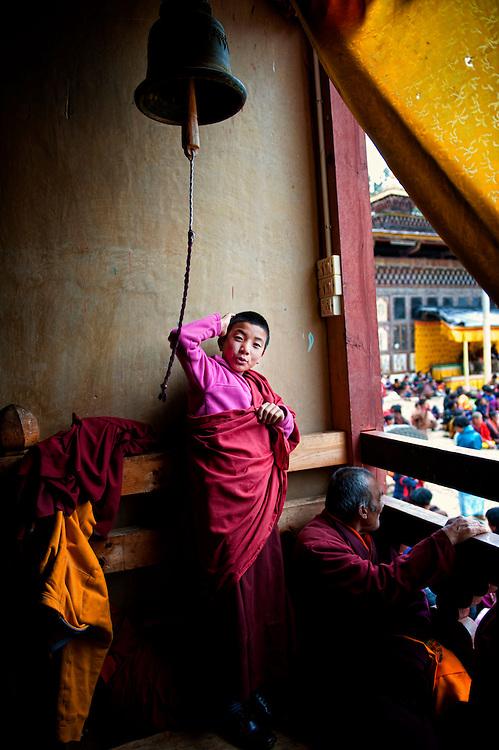 Asia, Tibet, Bhutan, Phobjikha, valley, Gangte, monastery, cham, tsechu, young monk
