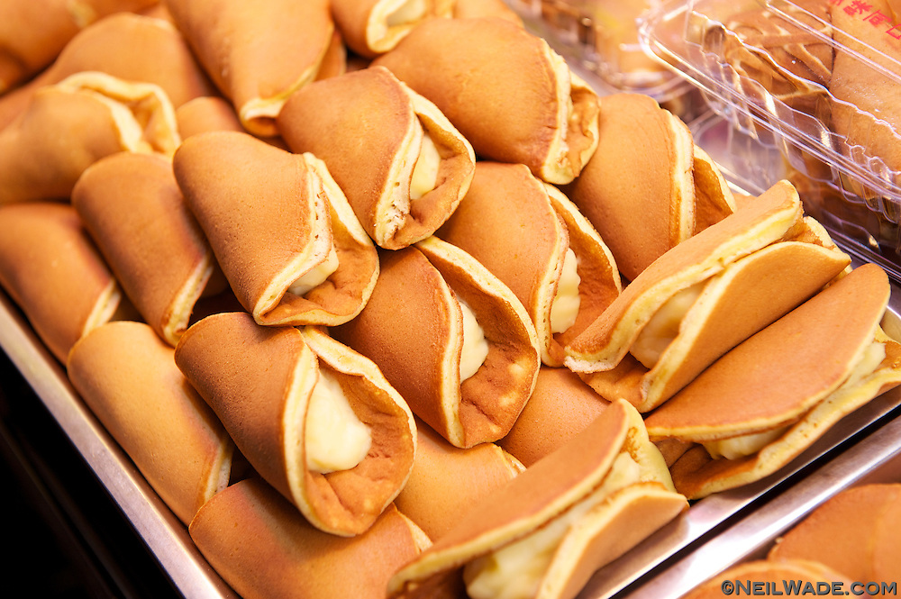 Shilin Night Market 士林夜市 - pancakes with cream filling