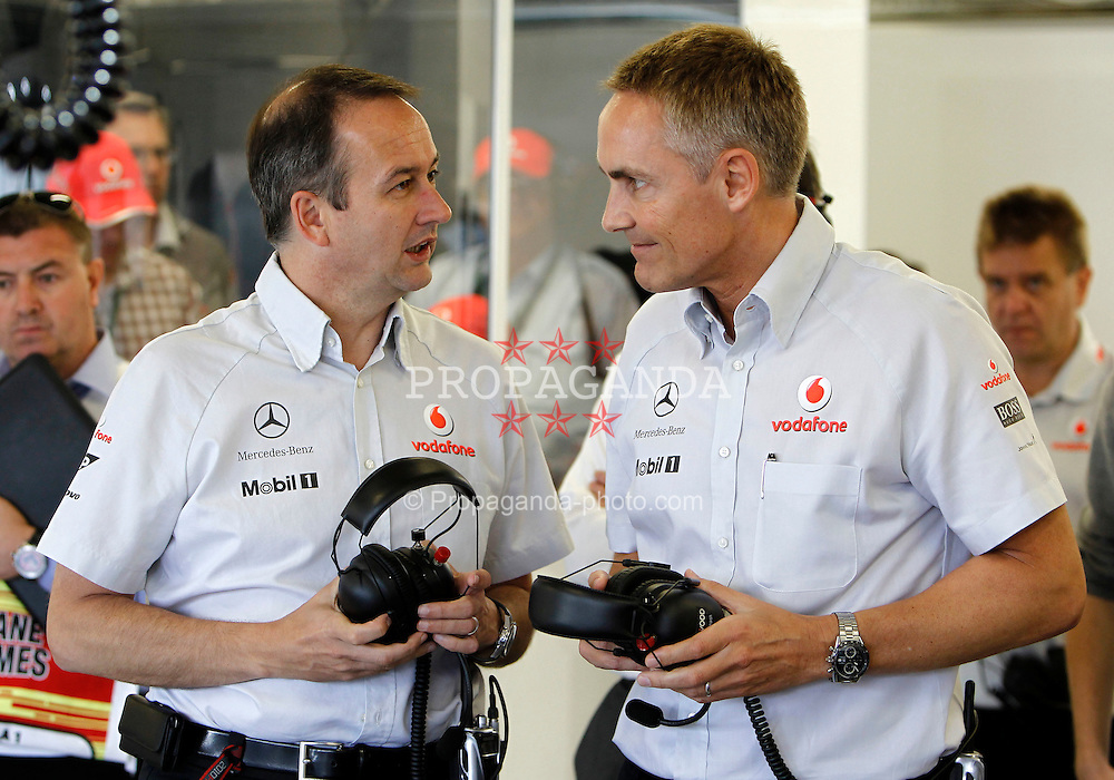 Motorsports / Formula 1: World Championship 2010, GP of Great Britain, Jonathan Neale (McLaren Racing Managing Director), Martin Whitmarsh (ENG, Teamchef Vodafone McLaren Mercedes)