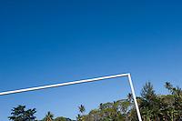 FUSSBALL    FEATURE    SUEDSEE    21.07.2008 Torgestaenge eines Fussballplatzes in der Naehe von Port Vila, der Hauptstadt von Vanuatu. Jedes Jahr im Juli finden hier Schulmeisterschaften statt, aehnlich der Bundesjugendspiele in Deutschland.
