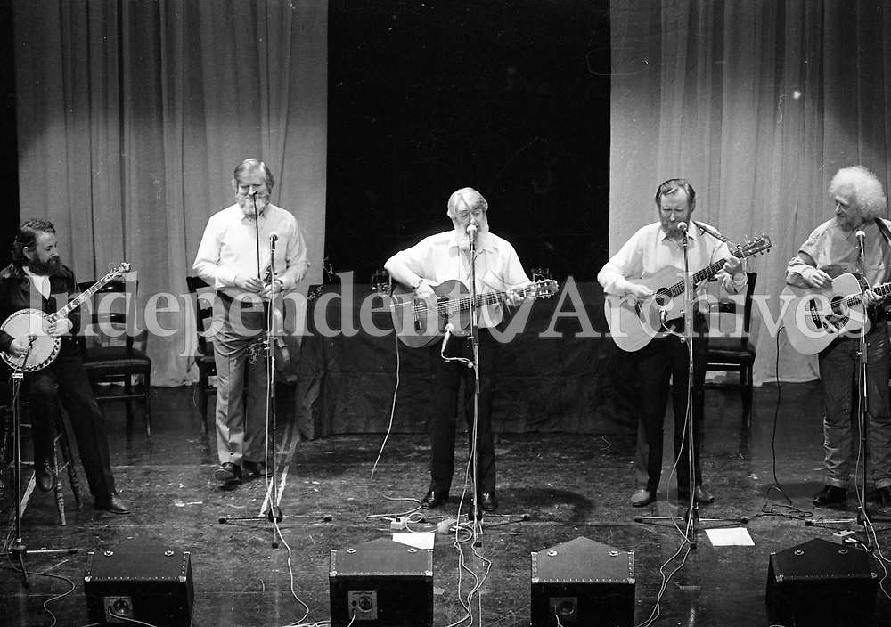 The Dubliners preforming at the Gaiety Theatre, 11/05/1987, (Part of the Independent Newspapers Ireland/NLI Collection).