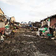 Journey of exploration into Smokey mountains, the epicenter of Manila slums... A process of discovery, following a thin line along the boundaries of human condition
