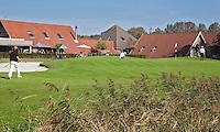 ALKMAA - Golfbaan Sluispolder, hole 18 met Clubhuis , FOTO KOEN SUYK