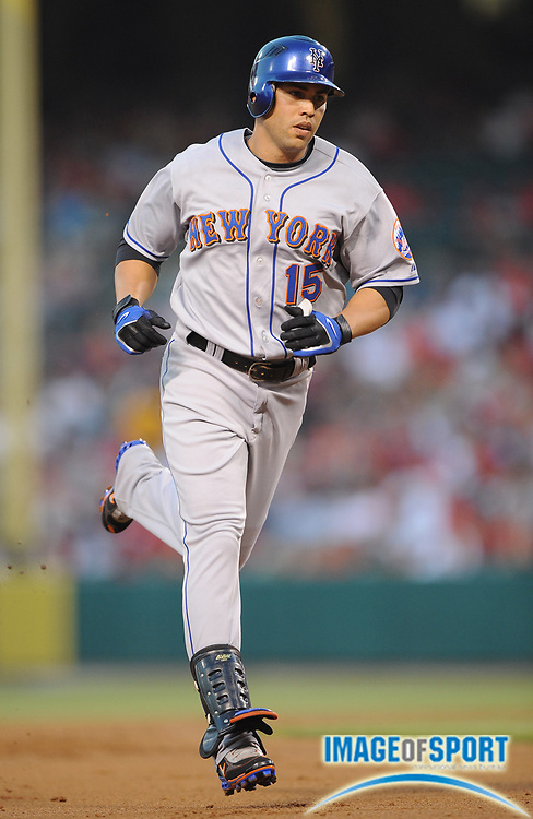 Jun 16, 2008; Anaheim, CA, USA; New York Mets designated hitter Carlos Beltran (15) rounds the bases after hitting his second home run during 9-6 victory over the Los Angeles Angels at Angel Stadium. Mandatory Credit: Kirby Lee/Image of Sport-US PRESSWIRE
