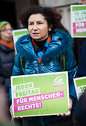 16.01.2015, König Abdullah Zentrum, Wien, AUT, Gruene, Mahnwache für verurteilten saudischen Blogger Raif Badawi. im Bild Nationalratsabgeordnete der Gruenen Alev Korun // Member of Parliament of the greens Alev Korun aduring picket of the greens according to the convicted blogger Raif Badawi at KAICIID Dialogue Centre in Vienna, Austria on 2015/01/16. EXPA Pictures © 2015, PhotoCredit: EXPA/ Michael Gruber