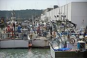 Spanje, Barbate, 8-5-2010Vissersboten voor de tonijnvisserij in de haven van Barbate. Spanje heeft de grootste vissersvloot van europa.Foto: Flip Franssen