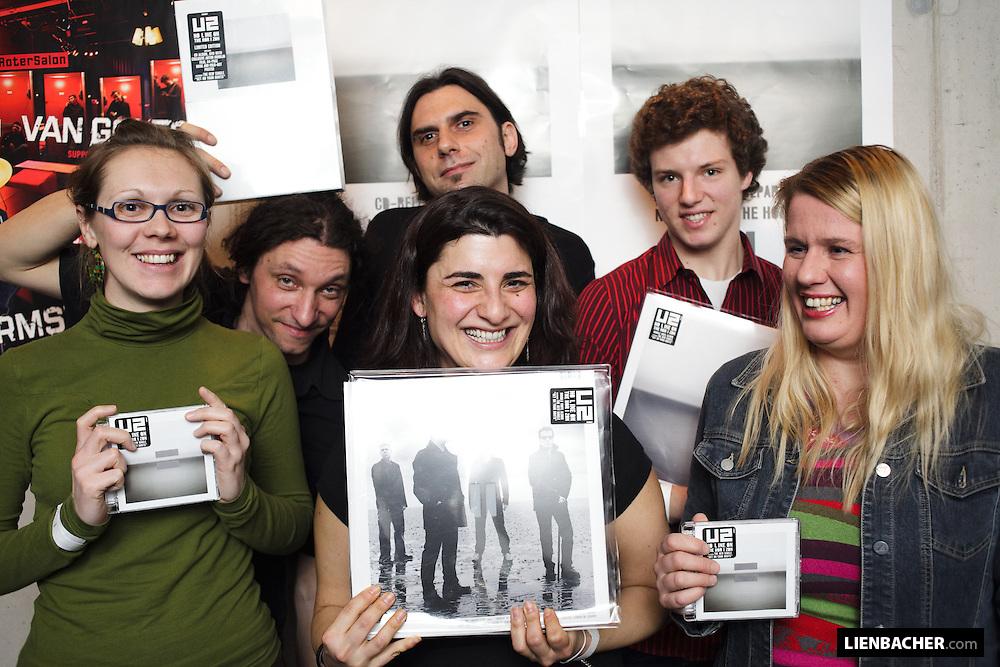 27. 2. 09: ARGEkultur Salzburg / Roter Salon - Martin Klein: U2 CD/Platten Gewinner. Foto: Wolfgang Lienbacher