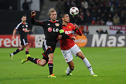 27.11.2013, BayArena, Leverkusen, GER, UEFA CL, Bayer Leverkusen vs Manchester United, Gruppe A, im Bild Simon Rolfes ( links Bayer 04 Leverkusen ) im Zweikampf mit Chris Smalling ( rechts Manchester United / Action / Aktion ) // during UEFA Champions League group A match between Bayer Leverkusen vs Manchester United at the BayArena in Leverkusen, Germany on 2013/11/28. EXPA Pictures © 2013, PhotoCredit: EXPA/ Eibner-Pressefoto/ Thienel<br /> <br /> *****ATTENTION - OUT of GER*****
