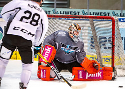 05.01.2020, Keine Sorgen Eisarena, Linz, AUT, EBEL, EHC Liwest Black Wings Linz, Spielerpräsentation, im Bild v.l. Mark McNeill (EHC Liwest Black Wings Linz), Tormann Jeff Glass (EHC Liwest Black Wings Linz) // during the new players presentation for the Erste Bank Eishockey League club EHC Liwest Black Wings Linz at the Keine Sorgen Eisarena in Linz, Austria on 2020/01/05. EXPA Pictures © 2020, PhotoCredit: EXPA/ Reinhard Eisenbauer