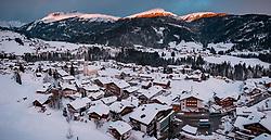THEMENBILD - Sonnenaufgang über dem Kleinwalsertal und Riezlern mit den Bergen und Skigebiete, aufgenommen am 31. Januar 2019 in Riezlern, Oesterreich // Sunrise over the Kleinwalsertal and Riezlern with the mountains and ski areas in Riezlern, Austria on 2019/01/31. EXPA Pictures © 2019, PhotoCredit: EXPA/ JFK