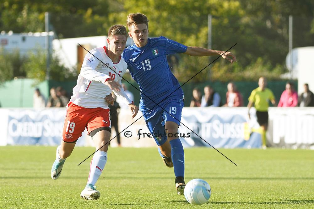 21.09.2017; Niederhasli; FUSSBALL U16 - Schweiz - Italien;<br /> Nenad Zivkovic (SUI) Paolo Morra (ITA) <br /> (Andy Mueller/freshfocus)