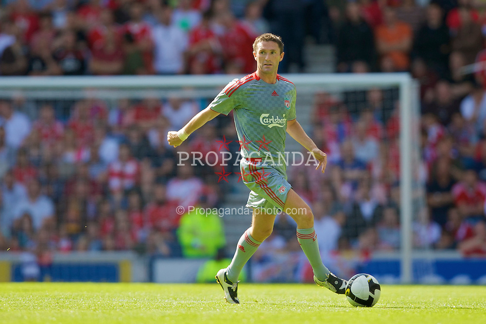 GLASGOW, SCOTLAND - Saturday, August 2, 2008: Liverpool's Robbie Keane in action against Rangers during a pre-season friendly match at Ibrox Stadium. (Photo by David Rawcliffe/Propaganda)