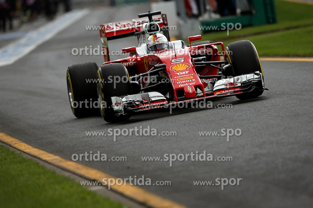 18.03.2016, Albert Park Circuit, Melbourne, AUS, FIA, Formel 1, Grand Prix von Australien, Training, im Bild Sebastian Vettel (GER) Ferrari SF16-H // during Practice for the FIA Formula One Grand Prix of Australia at the Albert Park Circuit in Melbourne, Australia on 2016/03/18. EXPA Pictures &copy; 2016, PhotoCredit: EXPA/ Sutton Images/ Goria/<br /> <br /> *****ATTENTION - for AUT, SLO, CRO, SRB, BIH, MAZ only*****