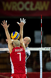 10.09.2014, Century Hall st. Wystawowa 1, Breslau, POL, FIVB WM, Finnland vs Russland, im Bild Nikolay Pavlov russia #7 Antti Siltala finland #5 // during the FIVB Volleyball Men's World Championships Pool A Match beween Finland and Russia at the Century Hall st. Wystawowa 1 in Breslau, Poland on 2014/09/10. EXPA Pictures © 2014, PhotoCredit: EXPA/ Newspix/ Sebastian Borowski<br /> <br /> *****ATTENTION - for AUT, SLO, CRO, SRB, BIH, MAZ, TUR, SUI, SWE only*****