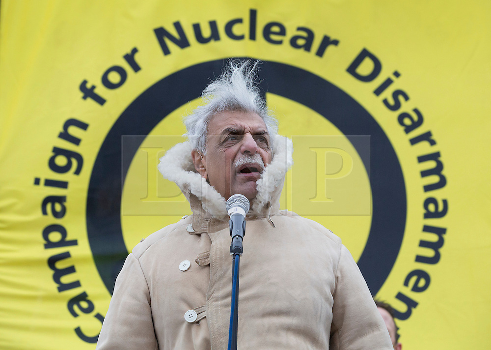 © Licensed to London News Pictures. 27/02/2016. London, UK. Veteran campaigner Tariq Ali speaks at a CND rally in Trafalgar Square. Thousands of protestors calling for the Trident nuclear deterrent to be scrapped have marched from Hyde Park to hear speeches from senior politicians and other campaigners. Photo credit: Peter Macdiarmid/LNP