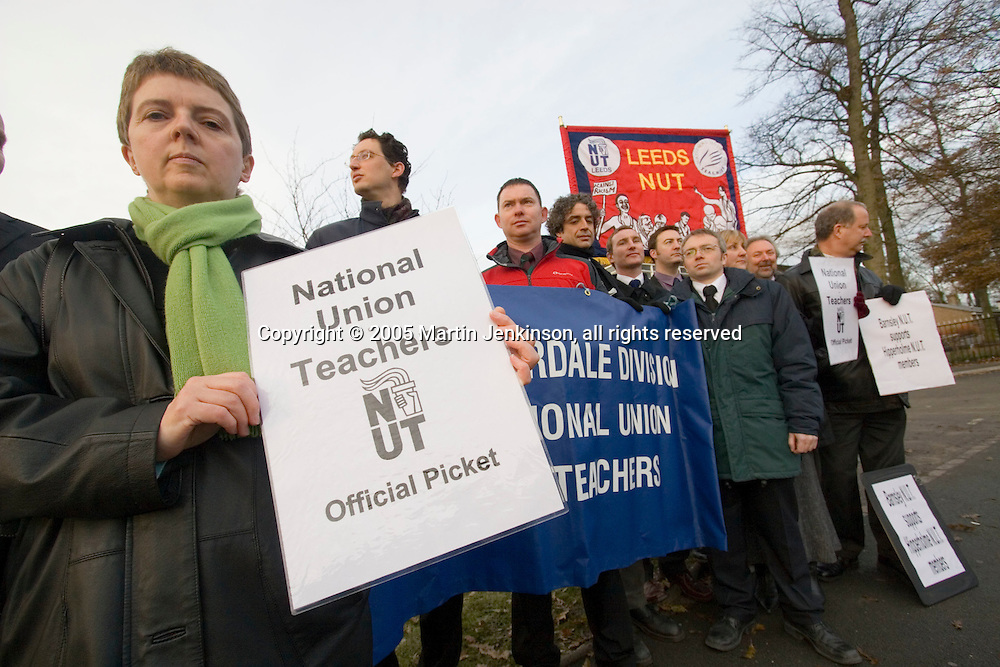 Teachers TLR protest at Hipperholme & Lightcliffe High School....© Martin Jenkinson, tel/fax 0114 258 6808 mobile 07831 189363 email martin@pressphotos.co.uk. Copyright Designs & Patents Act 1988, moral rights asserted credit required. No part of this photo to be stored, reproduced, manipulated or transmitted to third parties by any means without prior written permission