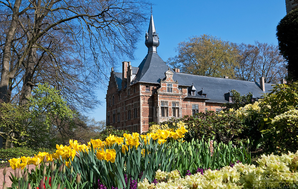 The castle garden of the Groot-Bijgaarden is a popular tourist destination during springtime in Belgium.