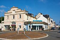 France, Loire-Atlantique (44), Le Pouliguen, rue de la plage // France, Loire-Atlantique, Le Pouliguen