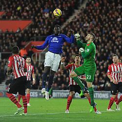Southampton's Fraser Forster and Everton's Romelu Lukaku both go up to attack a high ball. - Photo mandatory by-line: Alex James/JMP - Mobile: 07966 386802 - 20/12/2014 - SPORT - Football - Southampton  - St Mary's Stadium - Southampton  v Everton - Football