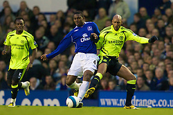 LIVERPOOL, ENGLAND - Thursday, April 17, 2008: Everton's Joseph Yobo and Chelsea's Nicolas Anelka during the Premiership match at Goodison Park. (Photo by David Rawcliffe/Propaganda)