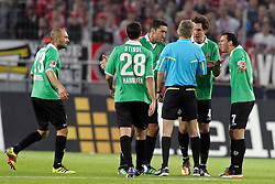 16.10.2011,  Rhein Energie Stadion, Koeln, GER, 1.FBL, 1. FC Koeln vs Hannover 96 ,im Bild.Emanuel Pogatetz (Hannover #4) (R) diskutiert mit Schiedsrichter Drees..// during the 1.FBL, 1. FC Koeln vs Hannover 96 on 2011/10/16, Rhein-Energie Stadion, Köln, Germany. EXPA Pictures © 2011, PhotoCredit: EXPA/ nph/  Mueller *** Local Caption ***       ****** out of GER / CRO  / BEL ******