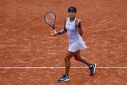 May 30, 2019 - Paris, France - Naomi Osaka of Japan in action against Victoria Azarenka (not seen) of Belarus during their second round match at the French Open tennis tournament at Roland Garros Stadium in Paris, France on May 30, 2019. (Credit Image: © Mehdi Taamallah/NurPhoto via ZUMA Press)