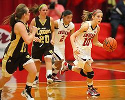 February 18, 2011: High School Girls Varsity Basketball Bridgeport vs. Lincoln at Bridgeport High School. (Photo by: Ben Queen)