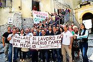Verbicaro, Italia - 4 giugno 2011. Un gruppo di disoccupati di Verbicaro fotografato davanti al municipio del piccolo paese calabrese..Ph. Roberto Salomone Ag. Controluce