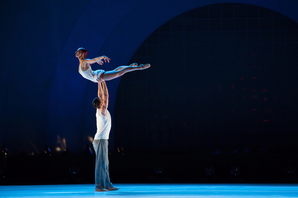 "Alexander Hille lifts Celine Cassone in Benjamin Millepeied's ""Closer"", the first piece of the evening."