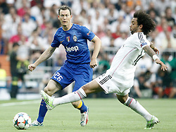 13.05.2015, Estadio Santiago Bernabeu, Madrid, ESP, UEFA CL, Real Madrid vs Juventus Turin, Halbfinale, Rückspiel, im Bild Real Madrid's Marcelo Vieira (r) and Juventus' Stephan Lichtsteiner // during the UEFA Champions League semi finals 2nd Leg match between Real Madrid CF and Juventus FC at the Estadio Santiago Bernabeu in Madrid, Spain on 2015/05/13. EXPA Pictures © 2015, PhotoCredit: EXPA/ Alterphotos/ Acero<br /> <br /> *****ATTENTION - OUT of ESP, SUI*****