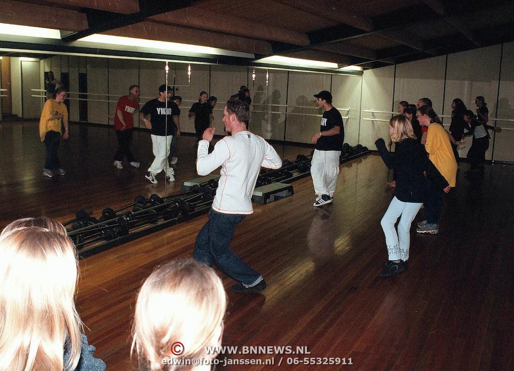 Streetdance demonstratie bij sportschool Rebel kerkstraat Huizen