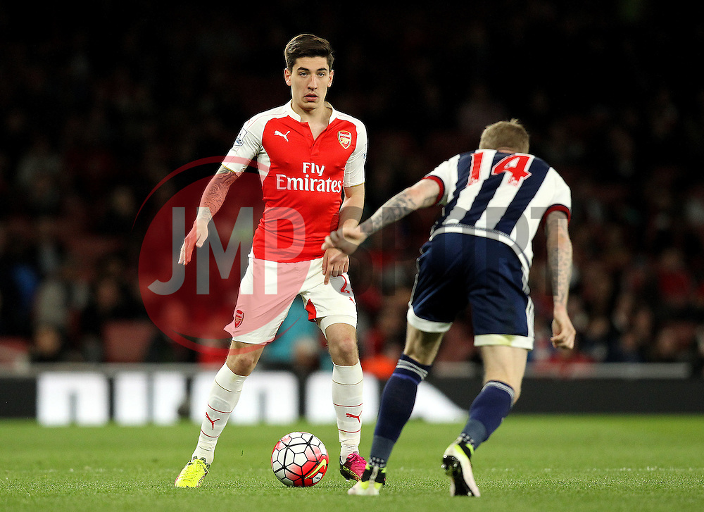 Hector Bellerin of Arsenal takes on James McClean of West Bromwich Albion - Mandatory by-line: Robbie Stephenson/JMP - 21/04/2016 - FOOTBALL - Emirates Stadium - London, England - Arsenal v West Bromwich Albion - Barclays Premier League