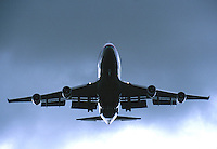 Malaysia Airlines Cargo 747 on approach to Melbourne Airport, 28 August 2001