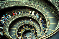 Italie - Latium - Rome - Musée du Vatican - Escalier hélicoïdal de Giuseppe Momo