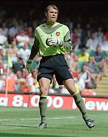 Jens Lehmann (Arsenal goalkeeper). Manchester United v Arsenal. Community Shield.10/8/03. Millennium Stadium. Credit : Colorsport/Andrew Cowie.