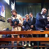 Nederland, Amsterdam , 27 april 2014.<br /> Viering van heiligverklaring  van de pausen Johannes<br /> XXIII en Johannes Paulus II in Rome. <br /> Voor de RK Poolse gemeenschap in NW-Nederland<br /> vormt deze heuglijke gebeurtenis de aanleiding voor een speciale viering in de Pauluskerk in Osdorp.<br /> de Pauluskerk, Pieter Calandlaan 196 in Amsterdam Osdorp.<br /> Foto:Jean-Pierre Jans