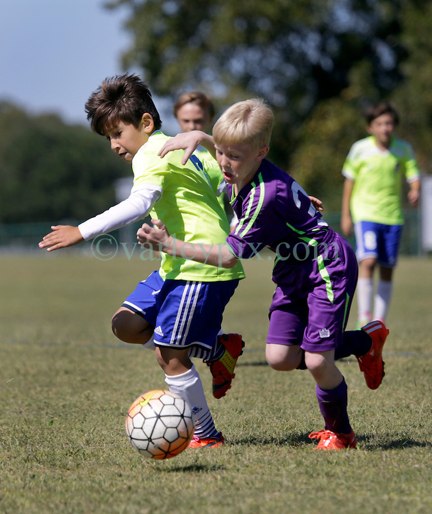 18 October 2015. Gulfport, Mississippi.<br /> New Orleans Jesters Youth Academy.<br /> U10 Jesters Team Purple 1 - FC United Barcelona 5. Jesters learn a good lesson from a well drilled Barca team.<br /> Photo©; Charlie Varley/varleypix.com