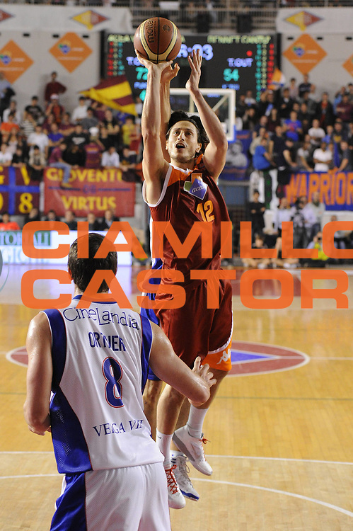 DESCRIZIONE : Roma Lega A 2011-12 Acea Virtus Roma Bennet Cantu<br /> GIOCATORE : Marco Mordente<br /> CATEGORIA : tiro<br /> SQUADRA : Acea Virtus Roma<br /> EVENTO : Campionato Lega A 2011-2012<br /> GARA : Acea Virtus Roma Bennet Cantu<br /> DATA : 27/11/2011<br /> SPORT : Pallacanestro<br /> AUTORE : Agenzia Ciamillo-Castoria/GiulioCiamillo<br /> Galleria : Lega Basket A 2011-2012<br /> Fotonotizia : Roma Lega A 2011-12 Acea Virtus Roma Bennet Cantu<br /> Predefinita :
